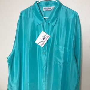 New With Tags DVF 100% silk blouse size 2X